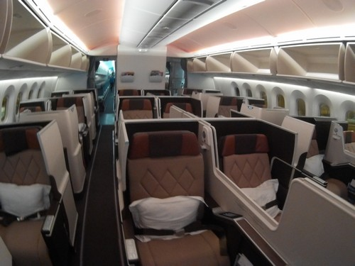 oman air business class J class first class paris muscat bangkok cgd mct bkk