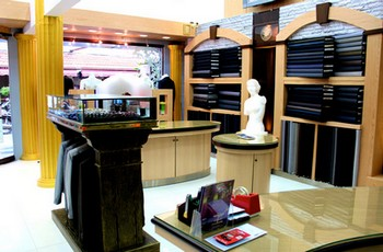 exclusive tailor best custom tailor patong beach phuket thailand